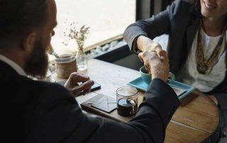aktieöverlåtelseavtal handskakning