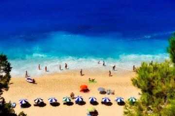 resa på semester till grekisk strand