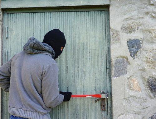 Checklista inbrott – Så inbrottsskyddar du huset när du reser bort